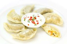 Vegetable Momos Treat - http://hotindianrecipes.com/recipe-items/vegetable-momos-treat/