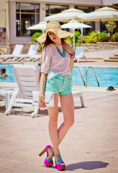 Menta Street Style Outfits