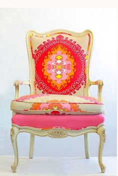 I love Queen Anne chairs!