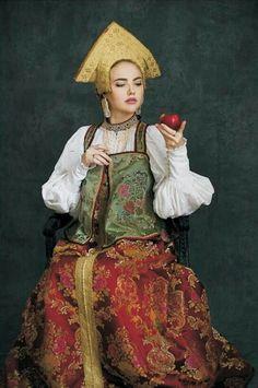 Russian traditional costume. Woman's festive attire; Novgorod Province; 19th century; replica