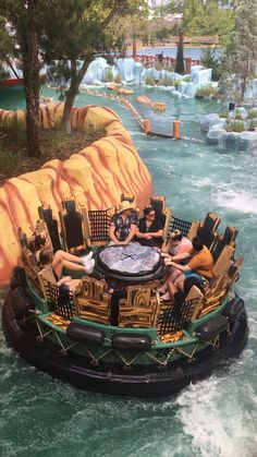 Islands of Adventure is a perfect theme park for Orlando visitors. Check out these amazing first timer tips. - Travel Orlando - Ideas of Travel Orlando Beautiful Places To Travel, Cool Places To Visit, Places To Go, Island Of Adventure Orlando, Adventure Travel, Vacation Places, Dream Vacations, Family Vacations, Family Travel