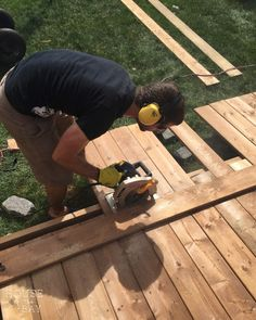 If you& thinking of building your own floating deck I& put together a step by step tutorial on how we built ours in one weekend. Building A Floating Deck, Deck Building Plans, Building A Pergola, Deck Plans, Pergola Plans, Pergola Kits, Pergola Ideas, Patio Ideas, Backyard Ideas