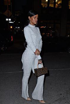 Rihanna is so fine Fashion Killa, Look Fashion, Girl Fashion, Fashion Outfits, Womens Fashion, Estilo Rihanna, Rihanna Swag, Rihanna Casual, Rihanna Creepers