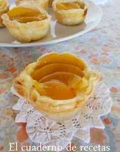 Deliciosos Pastelitos de Hojaldre con Melocotón. Te van a encantar. Los puedes ver en mi BLOG http://elcuadernoderecetas.blogspot.com.es/2014/11/pastelitos-de-hojaldre-y-melocoton.html