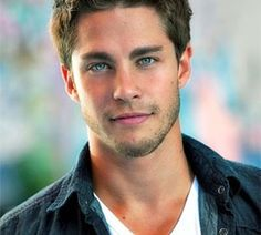 Dean Geyer - what a cutie!