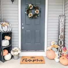 Hey there pumpkin fall decor hello welcome mat hand Fall Home Decor, Autumn Home, Outside Fall Decorations, Front Porch Fall Decor, Farmhouse Christmas Decor, Porch Decorating, Decorating Ideas, Halloween Cookies, Outdoor Decor