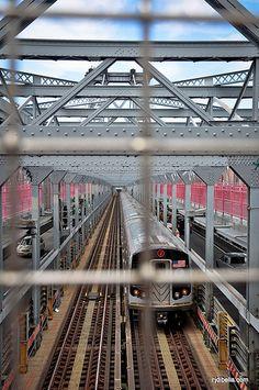 J Train crossing the Williamsburg Bridge