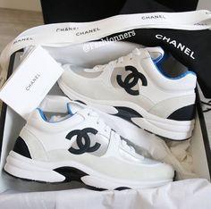 Women S Shoes With Memory Foam Damenschuhe Mit Memory-Schaum Chanel Tennis Shoes, Dr Shoes, Chanel Sneakers, Sneakers Mode, Hype Shoes, Shoes Sneakers, Shoes Tennis, Tennis Dress, Black Sneakers