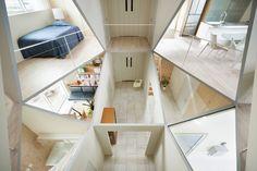 Le cabinet d'architecture japonais Kochi Architect's Studio, signe cette maison située dans unenouvelle zone résidentielle au Japon. Elledispose de 12 petites chambres. La particularité de cette ...