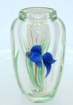"""ORIENT & FLUME Elegant BLUE Beta FISH Art-Glass Paperweight VASE by Scott Beyers - 7""""H x 4.1""""Dia 