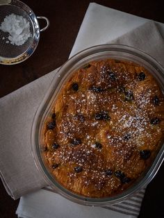 bread and butter pudding de cruasanes