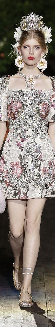 3cf883a7e4d35 Dolce   Gabbana Alta Moda Fall 2015 Couture Vestido De Festa, Moda Festa,  Vestuário