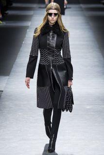 Versace коллекция | Коллекции осень-зима 2016/2017 | Милан | VOGUE