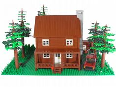 LOG HOUSE :: M. The house was the first of the reagion. Lego Boards, Lego For Kids, Lake Resort, Lego Room, Christmas Gingerbread, Lego Creations, Lego City, Log Homes, Legos