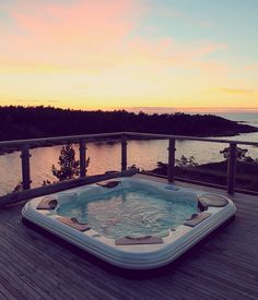 Late night jacuzzi sesh at HavsVidden, Åland, Finland / 6 cool facts that you probably didn't know about the Åland Islands / A Globe Well Travelled