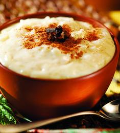 Arroz-doce caseiro Doce Light, Fondue, Pudding, Cheese, Ethnic Recipes, Desserts, Arroz Con Leche, Tailgate Desserts, Cakes