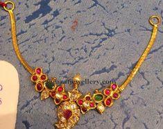 Gold Jewelry Design In India Indian Wedding Jewelry, Indian Jewelry, Bridal Jewelry, Light Weight Gold Jewellery, Gold Jewelry Simple, Gold Jewellery Design, Antique Jewellery, Diamond Jewellery, Girls Jewelry
