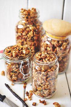almond vanilla granola - mix your own Healthy Cooking, Healthy Snacks, Cooking Recipes, Healthy Recipes, Healthy Eating, Granola, Muesli, Food Inspiration, Love Food