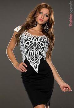 Rochie Minodora Black. - rochie eleganta de culoarea neagra - are model din dantela aplicat in zona bustului  - se incheie cu un fermoar la spate - materialul este intarit in zona bustului