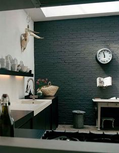 Ideas kitchen black brick interior design for 2019 Interior Design Blogs, Brick Interior, Kitchen Interior, Interior Inspiration, Design Kitchen, Design Inspiration, Interior Modern, Black Brick Wall, Black Walls