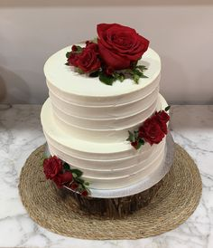Tarta buttercream rayada flores Celebration Day, Birthday Cakes, Cake Decorating, Cupcakes, Mom, Desserts, Ideas, Fondant Cakes, Cake Recipes