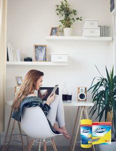 Αυτό Είναι το Πλάνο Καθαριότητας που Κάθε Φοιτητής Πρέπει να Έχει στο Ψυγείο τουspirossoulis.com – the home issue Eames, Chair, Furniture, Home Decor, Decoration Home, Room Decor, Home Furnishings, Stool, Home Interior Design