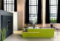 #Küche in Grün #Kücheninsel von KH Systemmöbel www.dyk360-kuechen.de