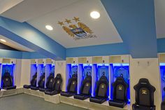 Home players' changing room at Manchester City's Etihad Stadium. Stadium Seats, E Sport, Soccer Skills, Sports Graphics, Changing Room, Football Stadiums, Play Soccer, Best Player, Commercial Photography