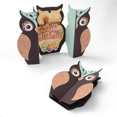 Sizzix Fox Tales Owl Label Fold a Long Card Thinlits Dies Owl Labels, Owl Templates, Applique Templates, Applique Patterns, Owl Card, Owl Crafts, Paper Crafts, Owl Punch, Shaped Cards