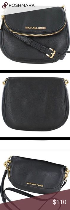 ee19937155a4 Michael Kors bag Used great condition small bag black and gold feel free to  make an