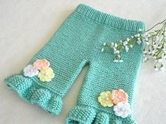 Knitting PATTERN Baby Pants Knitted Baby Pants Pattern Baby Girl Pants Garter Stitch Baby Clothes Newborn Pattern Knitted Baby Girl Outfit - Under Wear Knit Baby Pants, Baby Pants Pattern, Baby Cardigan, Cardigan Bebe, Baby Girl Pants, Knit Baby Sweaters, Crochet Cardigan, Toddler Pants, Knitting Sweaters