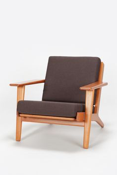 Hans Wegner Lounge Chair GE-290 Teak