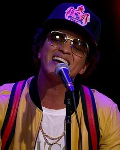 Bruno Mars 13 Photo American RnB Pop Singer Picture On Stage Music Poster Hat