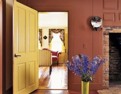To preserve the 18th-century ambiance, the owners spent hours researching historic colors.