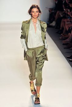 Carolina walked 50 shows and killed it by locking up 8 opening and closing spots. She opened at Rachel Zoe, Tanya Taylor, Jo No Fui, Just Cavalli, A.F. Vandevorst, and Yang Li and closed at Academy of Art University and Tibi.Image at Rachel Zoe: IMAXtree