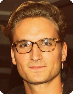 180ec3e34d4 My new huge awful crush Proudlock Oliver Peoples Glasses
