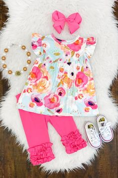 Our boutique kids outfits are perfect for any and everyday wear! These kids clothing sets keep your child in fashion every season. Girls Summer Outfits, Little Girl Outfits, Cute Outfits For Kids, Toddler Outfits, Baby Outfits, Little Kid Fashion, Baby Girl Fashion, Toddler Fashion, Kids Fashion