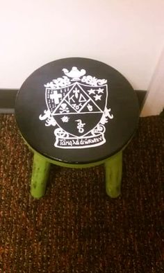 If I could paint the crest this would be an awesome idea