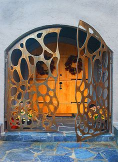 I'll never need a full size gate, but maybe a smaller one? Laser-cut steel exterior gate - like the way the two gates don;t have a straight edge # doors # windows Tor Design, Gate Design, Metal Gates, Iron Gates, Cool Doors, Unique Doors, Entry Gates, Entry Doors, Entryway