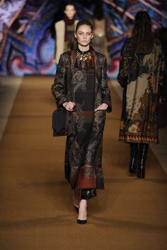 Etro Woman Autumn Winter 14-15 Fashion Show. Discover more on www.etro.com