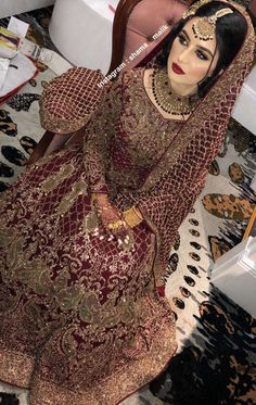 Source by dress pakistani wedding dresses nikkah Asian Wedding Dress Pakistani, Pakistani Bridal Makeup, Bridal Mehndi Dresses, Pakistani Wedding Dresses, Bridal Outfits, Indian Bridal, Desi Bride, Wedding Lehenga Designs, Pakistan Bridal