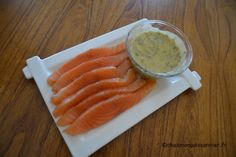La sauce Gravlax d'Inger Carrots, Salmon, Vegetables, Ethnic Recipes, Food, Percy Pig Recipes, Seafood, Essen, Eten