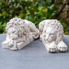 Chatsworth lions Carara Marble, Sleeping Lion, Design Comics, Duke Of Devonshire, Mask Painting, Wood Carving Art, Historical Art, Anatomy Art, Design