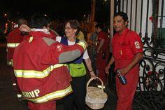 Compartimos año nuevo con los bomberos voluntarios de la compañía Roma 2, unos verdaderos héroes de la ciudad y, especialmente, de las fiestas.