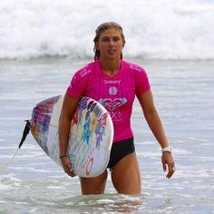 Sage Erickson at the Roxy Pro this week.  #sageerickson  #roxypro #snapperrocks #goldcoast #surfing #prosurfing #sport #surfphotography #surf #coolangatta #qld #quiksilver #australia #surfboard  #visitgoldcoast #thisisqueensland #discoveraustralia #wsl #worldsurfingleague #roxy by kazlindsay