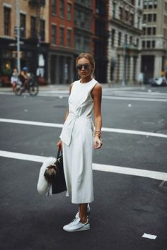 10 White Outfits To