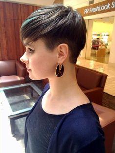 42 Pretty Pixie Haircut Ideas for Short Hair @ Ecstasycoffee
