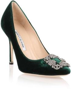 Green velvet evening pump with a grey crystal embellished ornament from Manolo Blahnik. The Hangisi pump has a slightly pointed toe, a covered heel measuring approximately / 4 Green Velvet Shoes, Green Shoes, Green Wedding Shoes, Shoe Boots, Shoes Heels, High Heels, Pumps, Boot Heels, Manolo Blahnik Hangisi