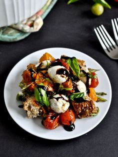 Roasted Tomato Caprese Panzanella Salad