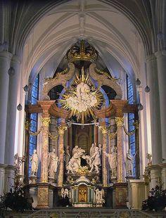 Kirche-Altar by p123jansen, via Flickr